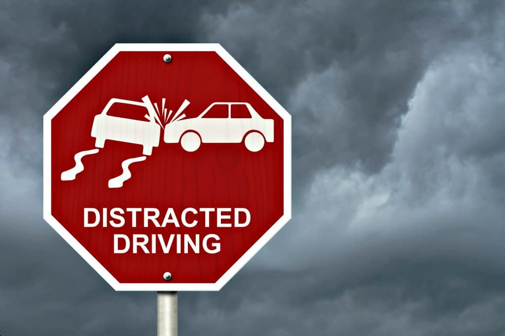 Dangers Of Texting And Driving >> Distracted driving dangers: Parents are often the cause of ...